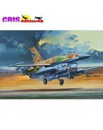 Maqueta Avión F-16I SUFA 1/32 Academy